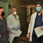 Pirmieji Plungės ligoninės medikai paskiepyti nuo Covid-19