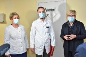 Premjerė I. Šimonytė aplankė vakcinavimo patalpas Plungės ligoninėje